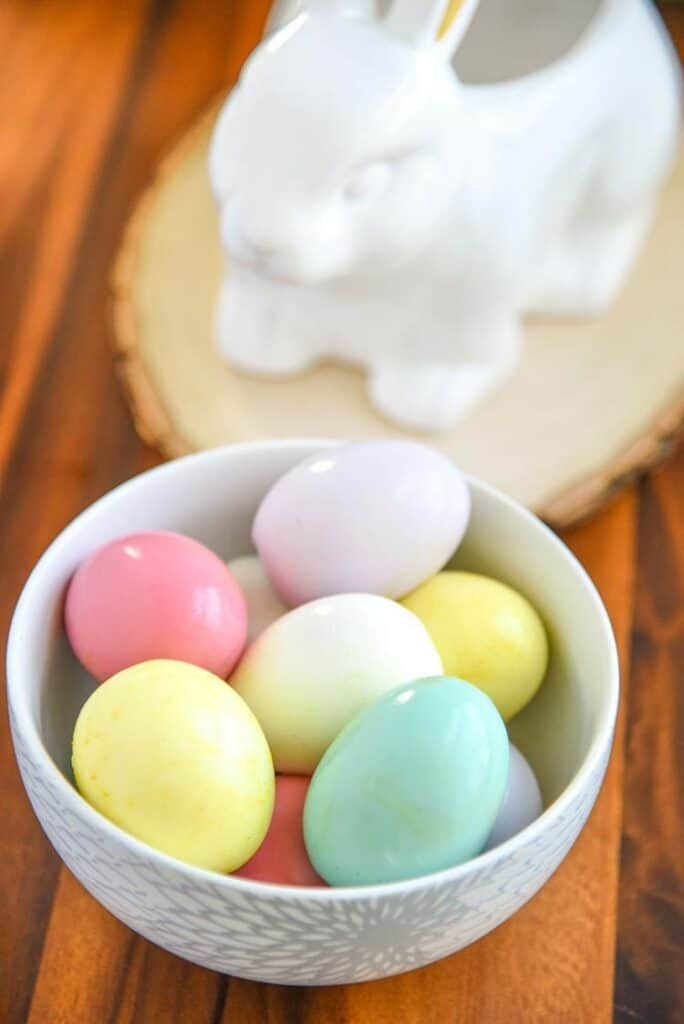 Edible Dyed Easter Eggs