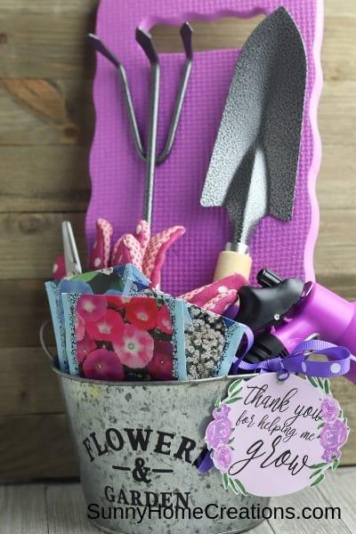 Complete DIY Garden Gift Basket
