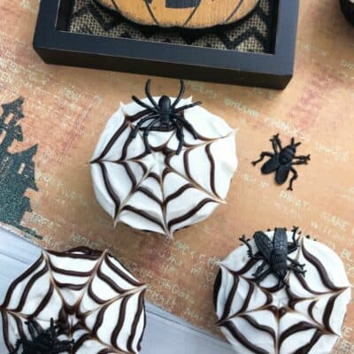 Easy Spider Web Cupcakes