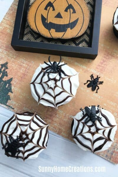 Easy Spider Web Cupcakes