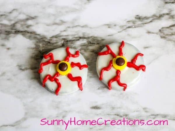 Halloween Oreo Eyeballs