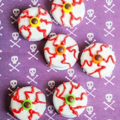 Halloween Oreo Eyeball Cookies