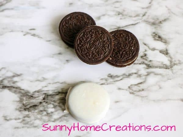 Halloween Oreos Dipped in White candy